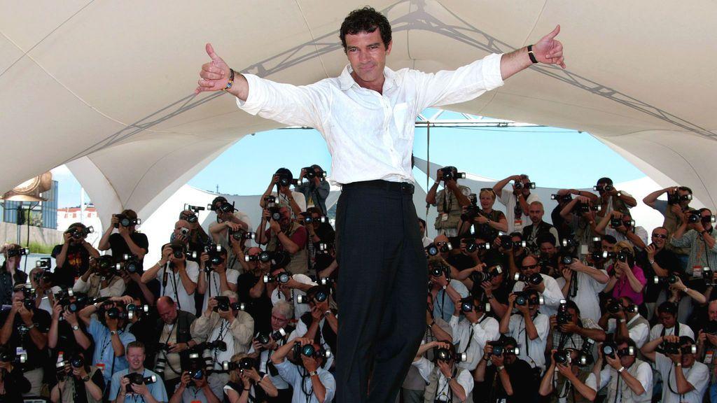 El actor malagueño en un 'photocall' en el festival de Cannes de 2002 por 'Femme fatale' de Brian de Palma
