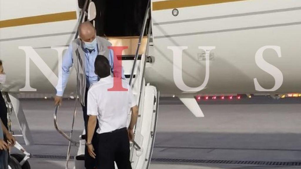 Exclusiva NIUS: la foto del rey emérito a su llegada a Abu Dabi