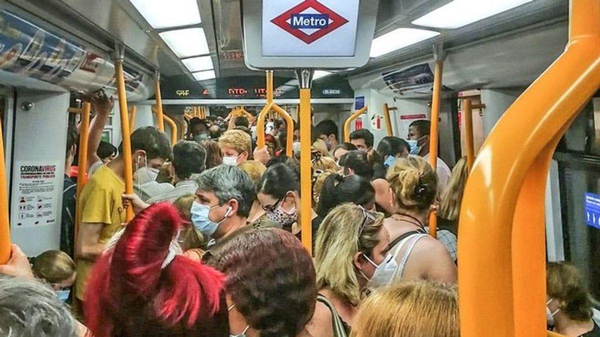 Las aglomeraciones y la falta de seguridad: las quejas de los viajeros por el Metro de Madrid