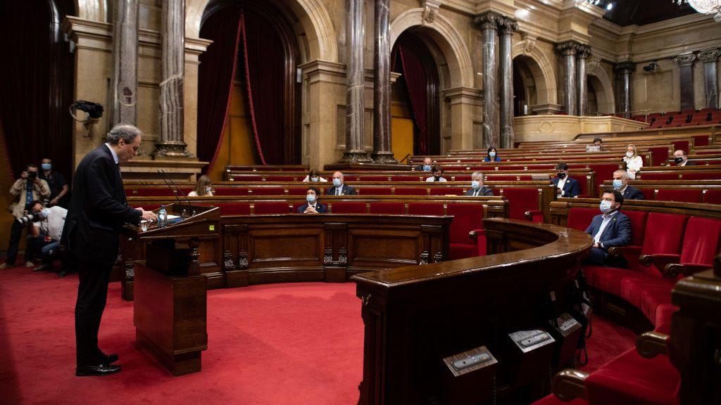 El Parlament catalán condena la marcha de Juan Carlos I y pide el fin de la monarquía