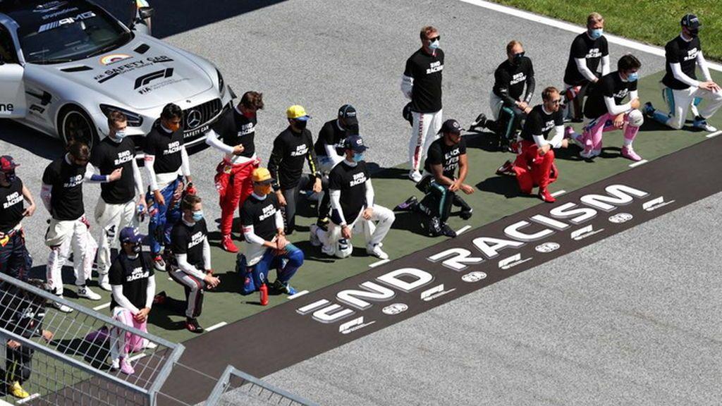 """Carlos Sainz y Leclerc se cansan de las críticas por no arrodillarse al igual que Hamilton: """"Ya basta"""""""