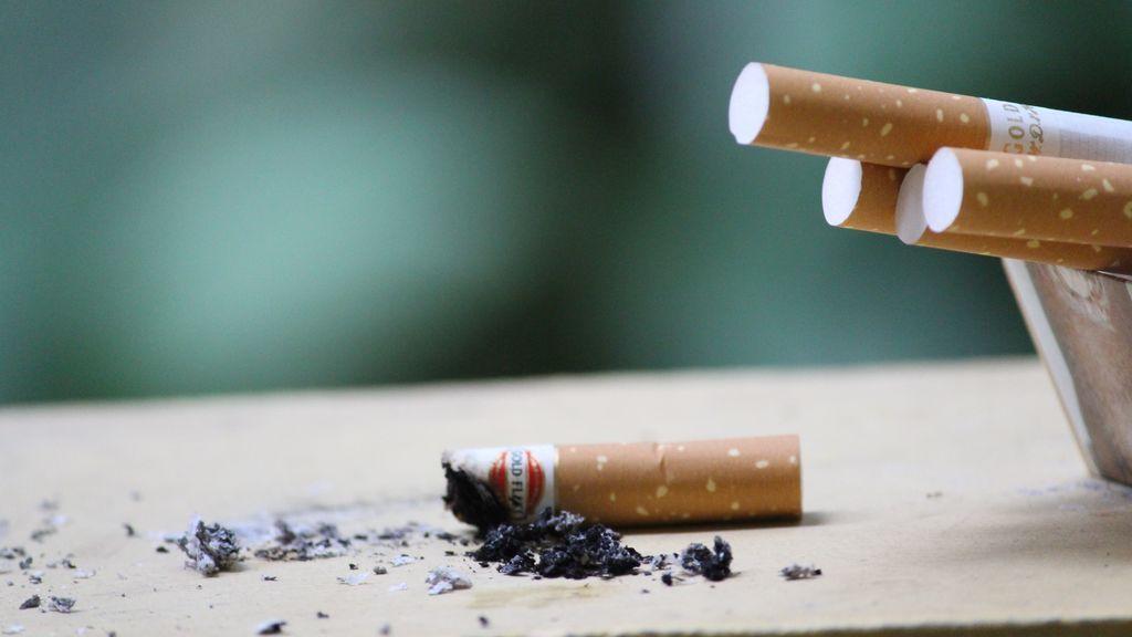 Consejos para dejar de fumar si llevas varias décadas haciéndolo.