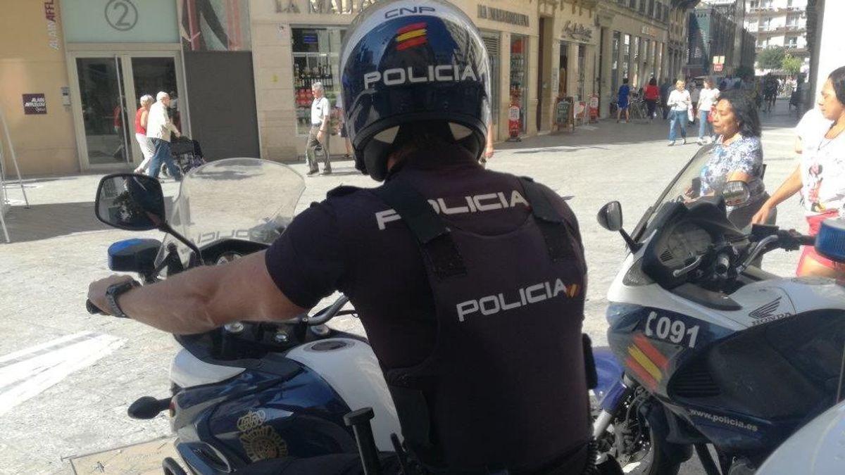 Detenido el propietario de un piso turístico en Fuengirola por vigilar a sus inquilinos a través de una cámara