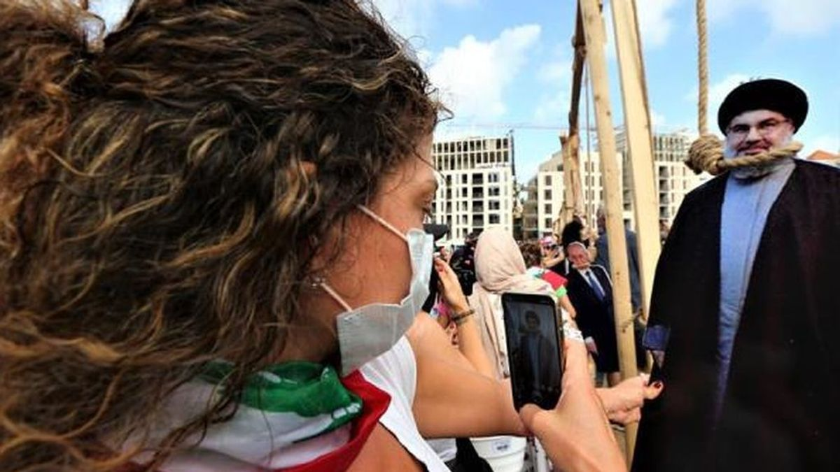 109 heridos en las primeras protestas en Beirut durante el luto por las víctimas de la explosión