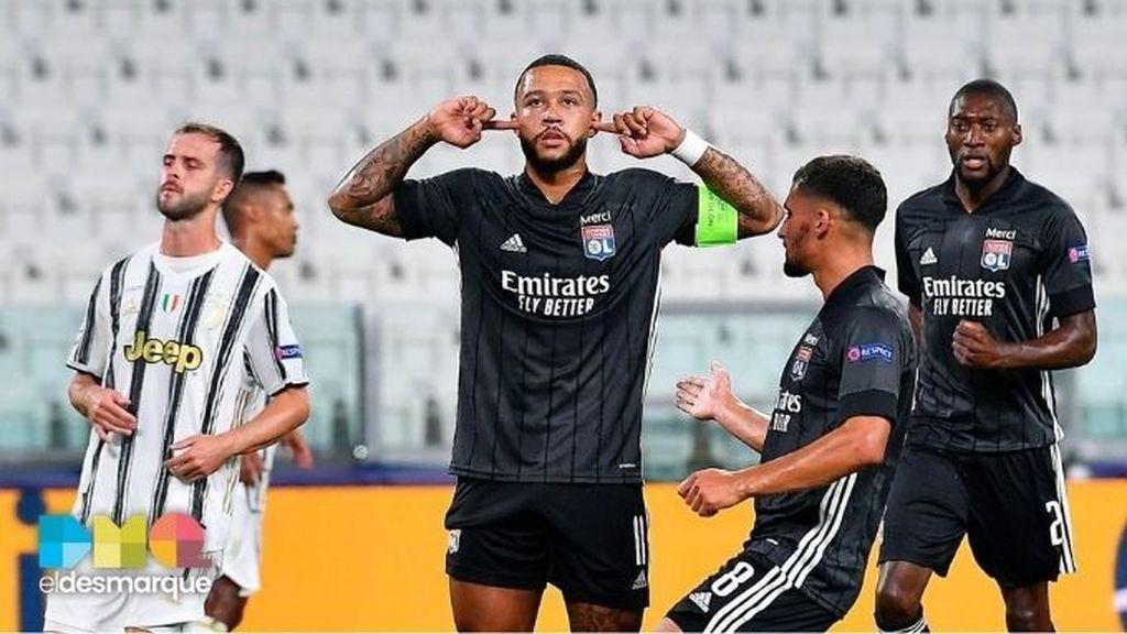 Depay celebra su gol en el Juventus-Lyon