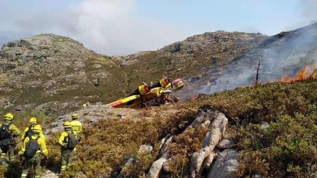 El fuego de Lobios (Ourense), en el que murió un piloto sigue activo y afecta ya a 350 hectáreas
