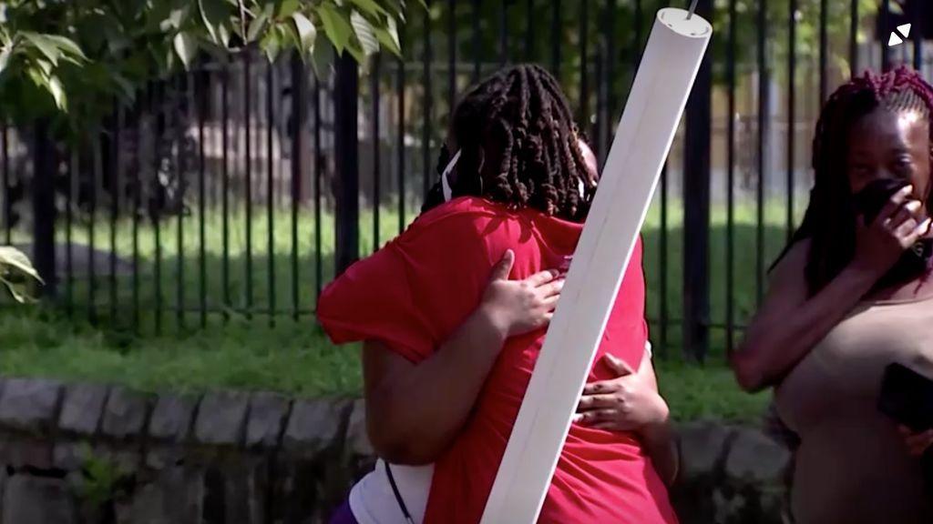 Un adolescente muerto y 20 heridos en un tiroteo en una barbacoa multitudinaria en Washington