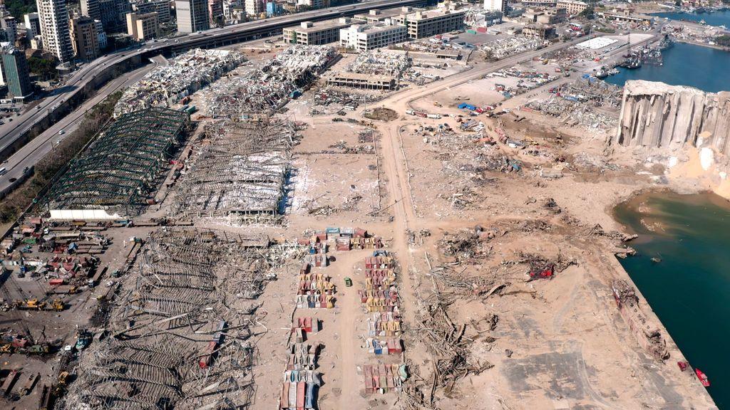 La devastación tras la explosión en el puerto de Beirut a vista de pájaro