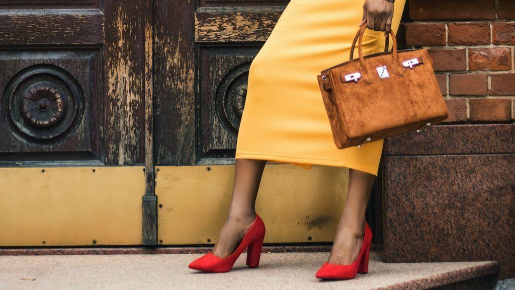 5 maneras de llevar unos zapatos rojos de tacón