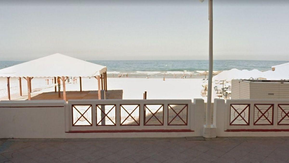 Encuentran una mujer fallecida en la Playa de la Victoria de Cádiz