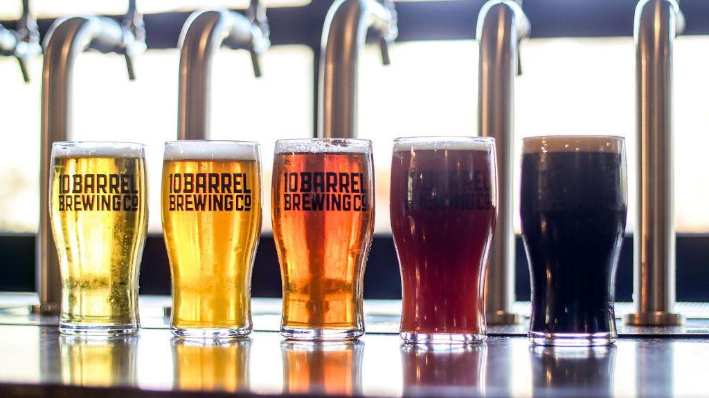 Cinco cervezas premium españolas que no deben faltar en tu nevera este verano