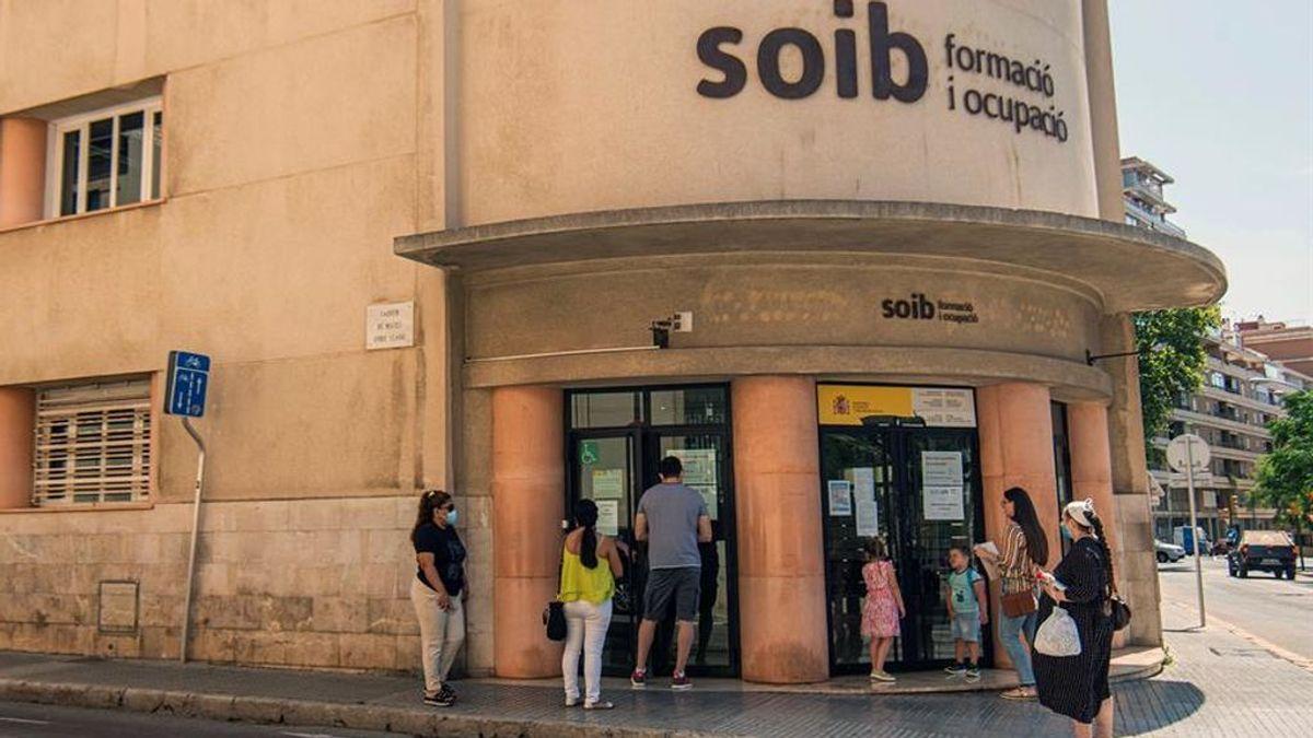 Trabajo estudia un subsidio de 430 euros para 550.000 parados que han agotado las ayudas