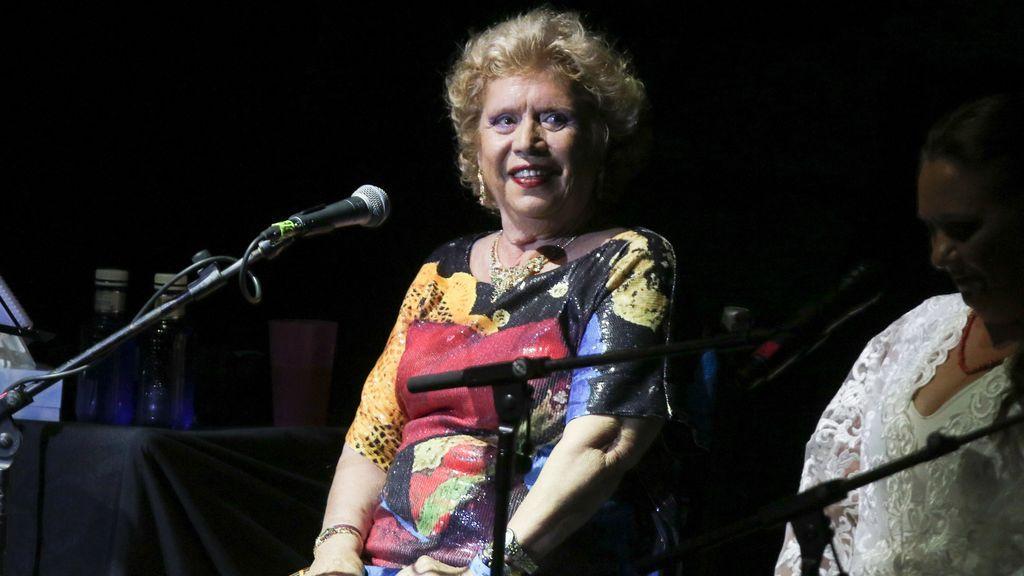 """María Jiménez pisa de nuevo los escenarios tras dieciocho años alejada de ellos: """"Qué alegría estar aquí"""""""