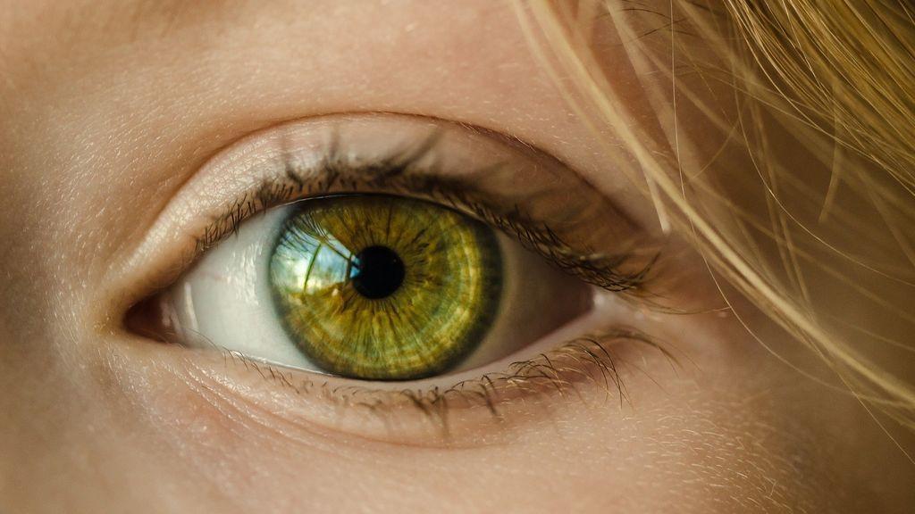 Estudiar el fondo del ojo puede prevenir la aparición de eventos arteriales en pacientes con coronavirus, según un estudio