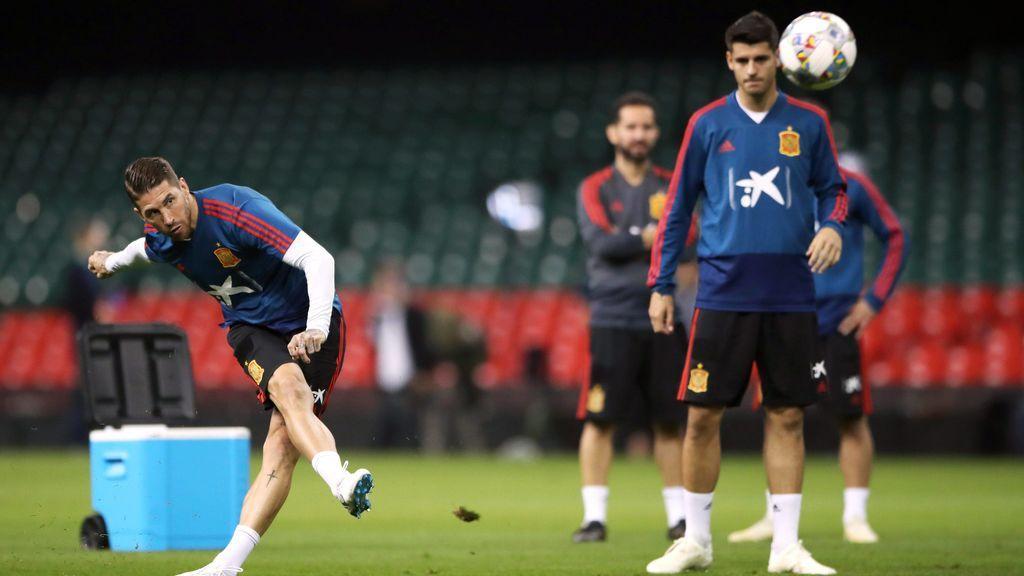 Sergio Ramos y Morata, en un entrenamiento con la Selección.