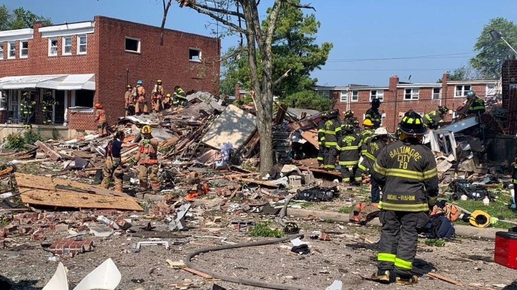 Una gran explosión de gas en Baltimore derrumba tres edificios residenciales y mata a una persona