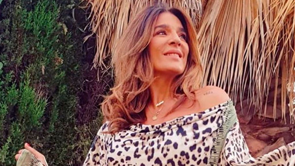 Con jardín de ensueño y piscina: el chalet de 2.000 euros mensuales en el que se refugia Raquel Bollo