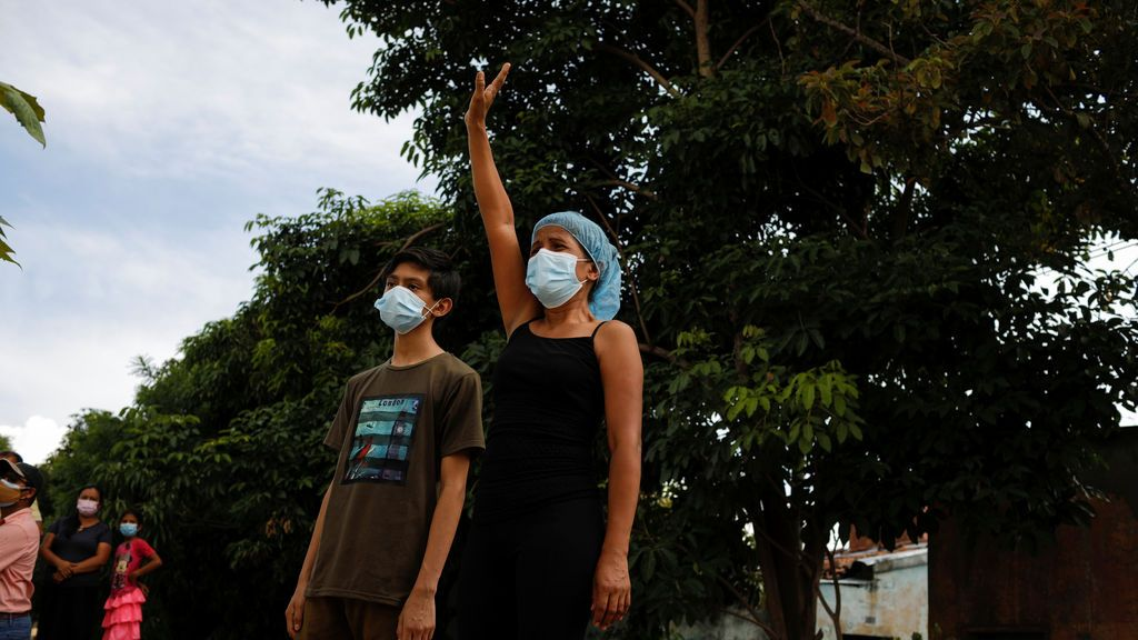 El Salvador contratará a todos los recuperados de COVID-19 para repartir medicinas y alimentos