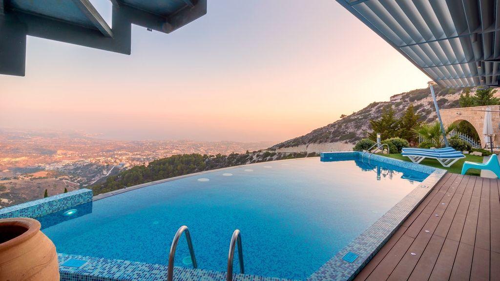 Villas de lujo con piscina: disfruta de un aislamiento premium