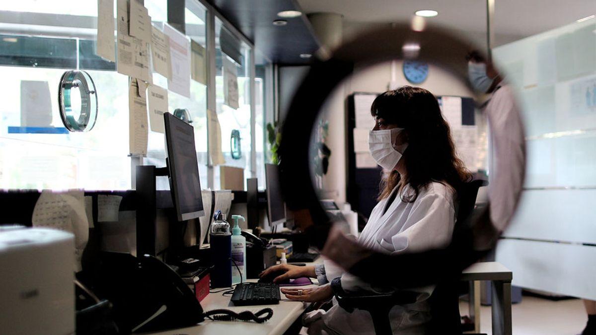La gran baza para proteger a los mayores: la labor de los rastreadores de coronavirus contada desde dentro