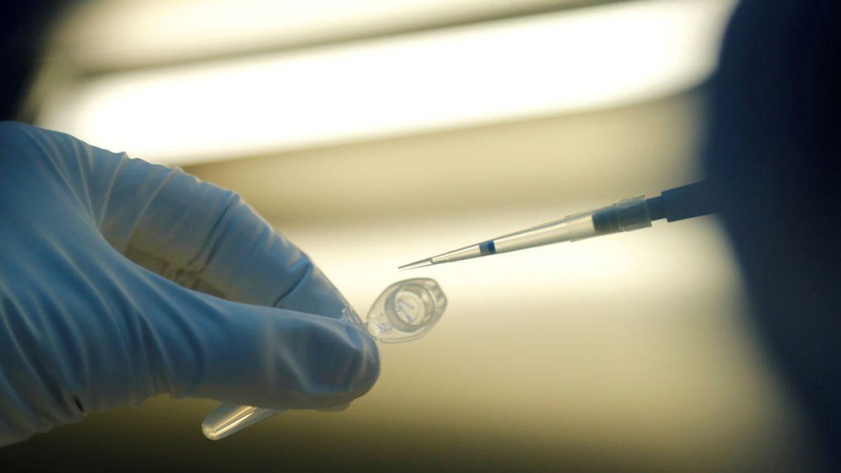 Una vacuna llamada Sputnik: detalles del ardid de Rusia para ganar la 'guerra fría' del coronavirus