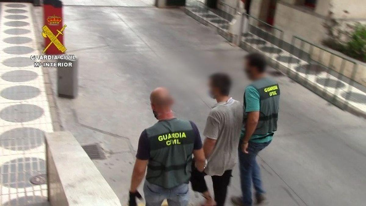 Detenido en Melilla un hombre con una orden internacional de detención que pretendía llevar a su hija a Siria