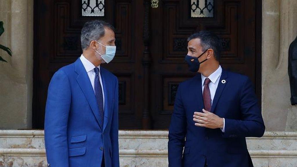Felipe VI  recibe a Pedro Sánchez  en el  Palacio de Marivent