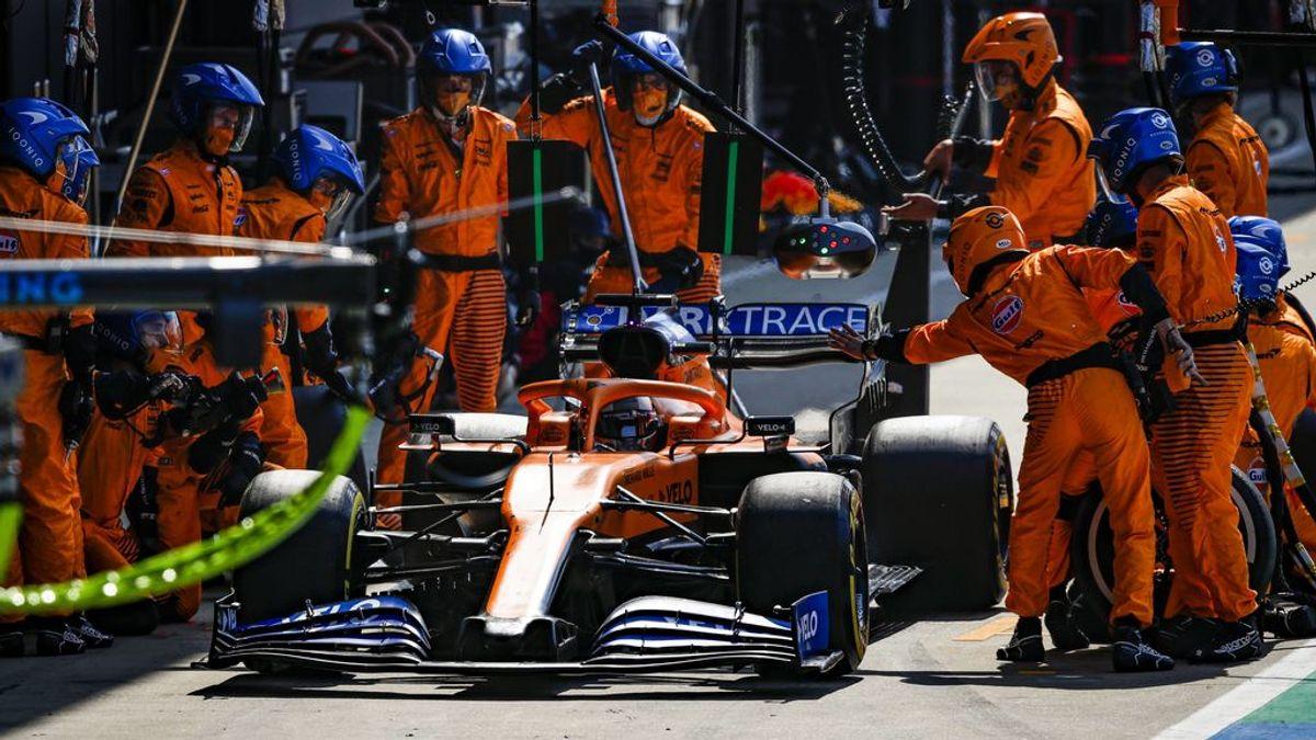 Carlos Sainz, con McLaren en una carrera esta temporada.