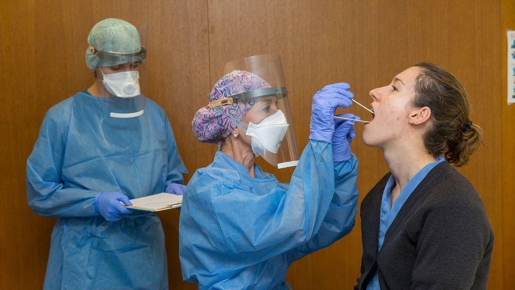 Los síntomas del coronavirus, día a día