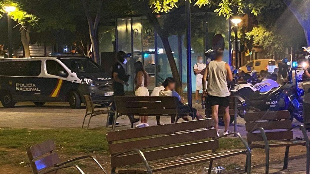 La Policía desaloja una fiesta en Plasencia con más de 350 personas sin mascarilla