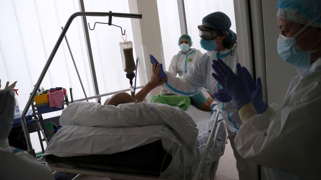 Detectan por primera vez coronavirus capaz de infectar a otras personas en el aire de un hospital