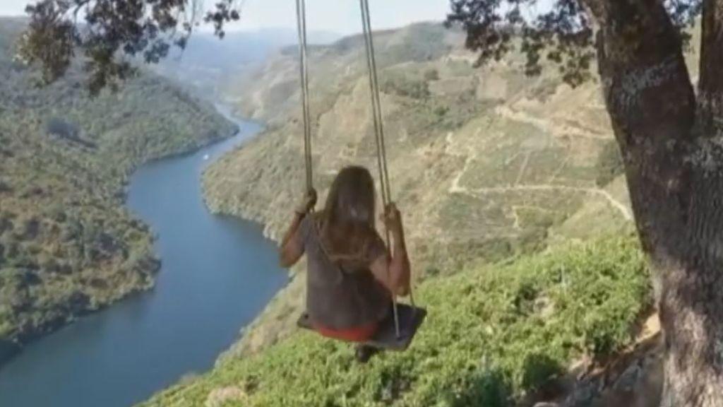 En busca de la foto perfecta: dos columpios en Galicia y Portugal se viralizan por sus impresionantes vistas