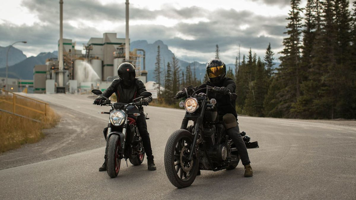 Viajar en moto en verano: seis trucos para combatir el calor
