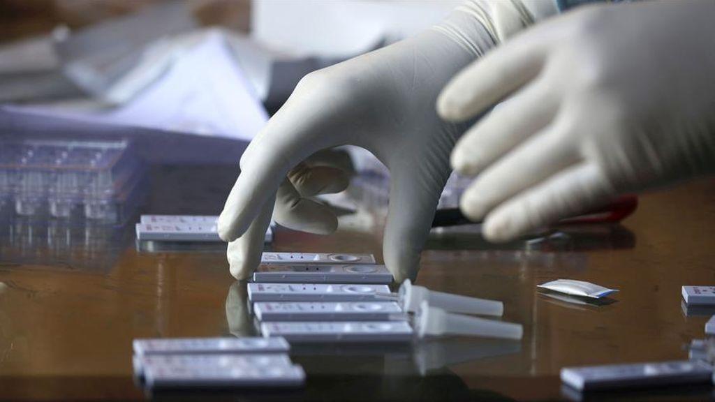 Sanidad registra un repunte de casos diario con 1.690 sin datos de Madrid