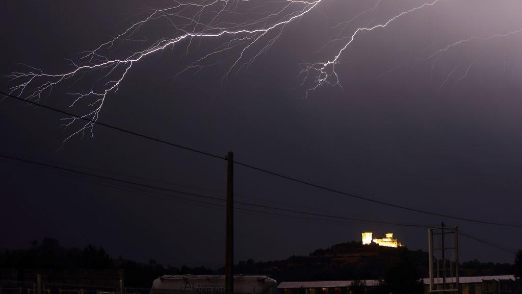 Temperaturas en descenso, las tormentas se centrarán en Galicia y Cantábrico occidental