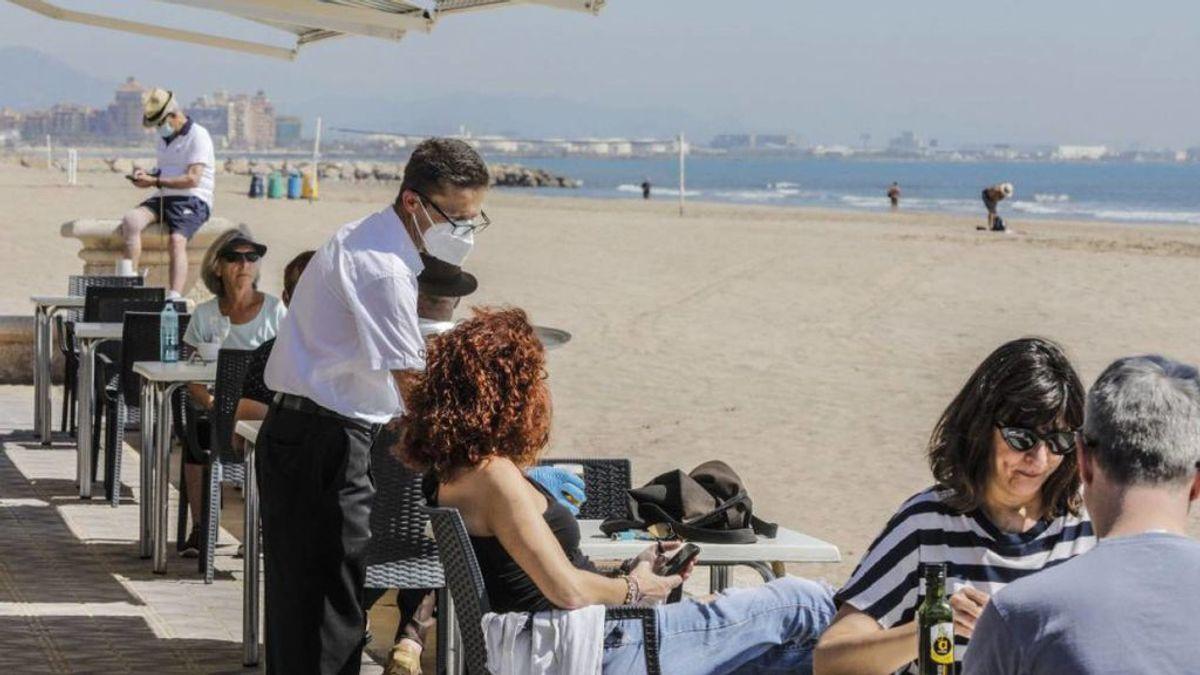 València se blinda para proagar el virus: distancia obligatoria y los negocios cierran a la 1 y media de la noche