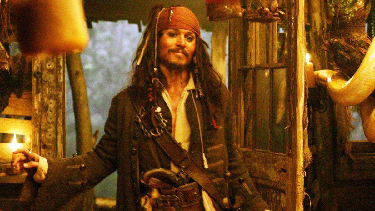 Sabía a sal, lo tomaban por un motivo de salud y otras curiosidades del ron que bebían los piratas