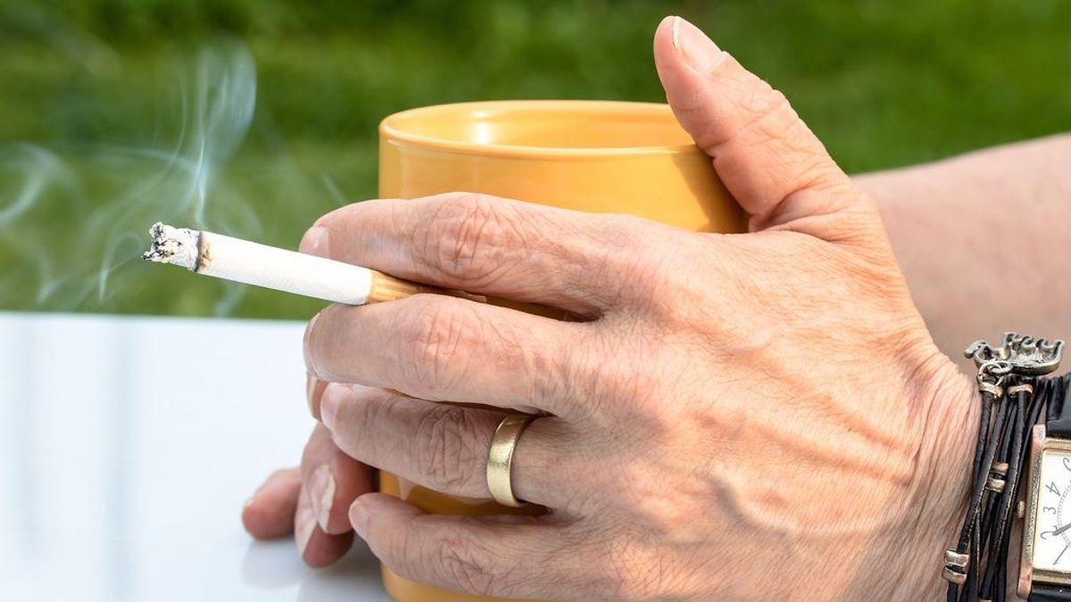 Última hora del coronavirus: Galicia veta el consumo de tabaco al aire