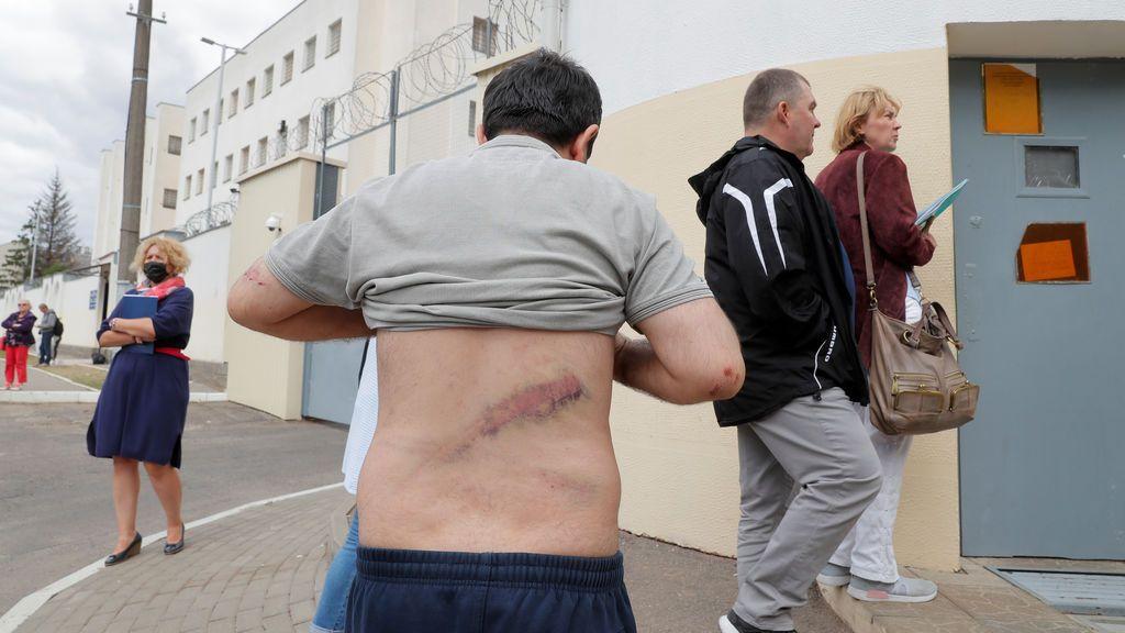 Más de 700 detenidos tras otras noche de protestas en Bielorrusia contra la reelección de Lukashenko