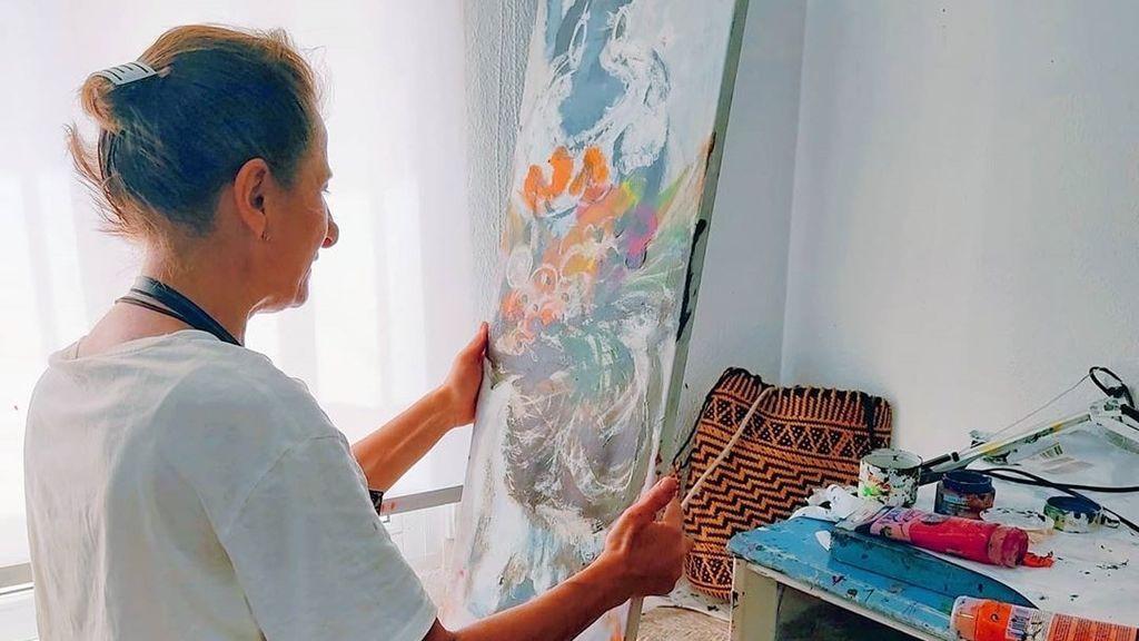 """María José Climent, artista ciega: """"No me hace falta ver, pinto con la imaginación"""""""