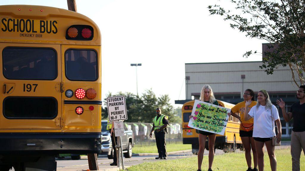 EEUU: 100.000 millones de dólares para garantizar la apertura de los colegios