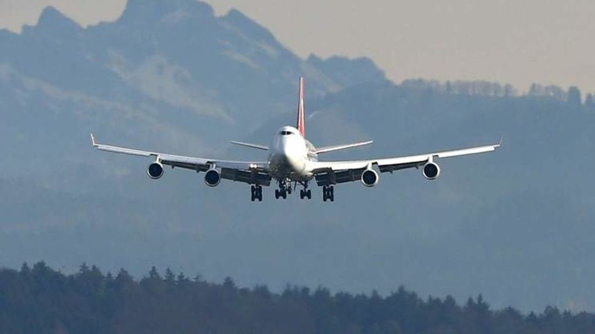 La limpieza de los aviones en época de coronavirus preocupa más que la puntualidad