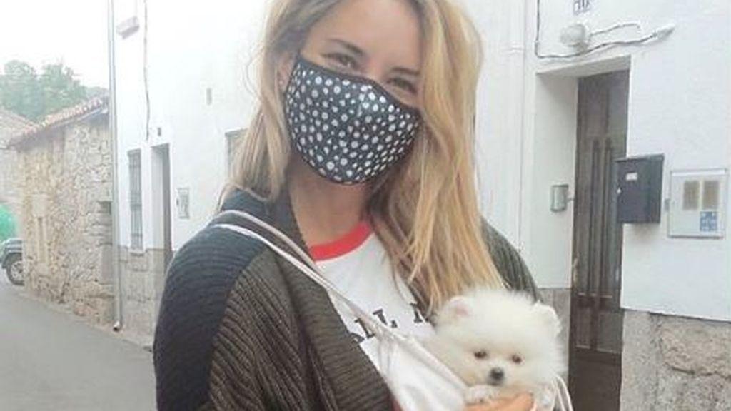Alba Carrillo se lo pasa bomba con su perro Fresh, al que ha llamado como la sección de 'Ya es mediodía'
