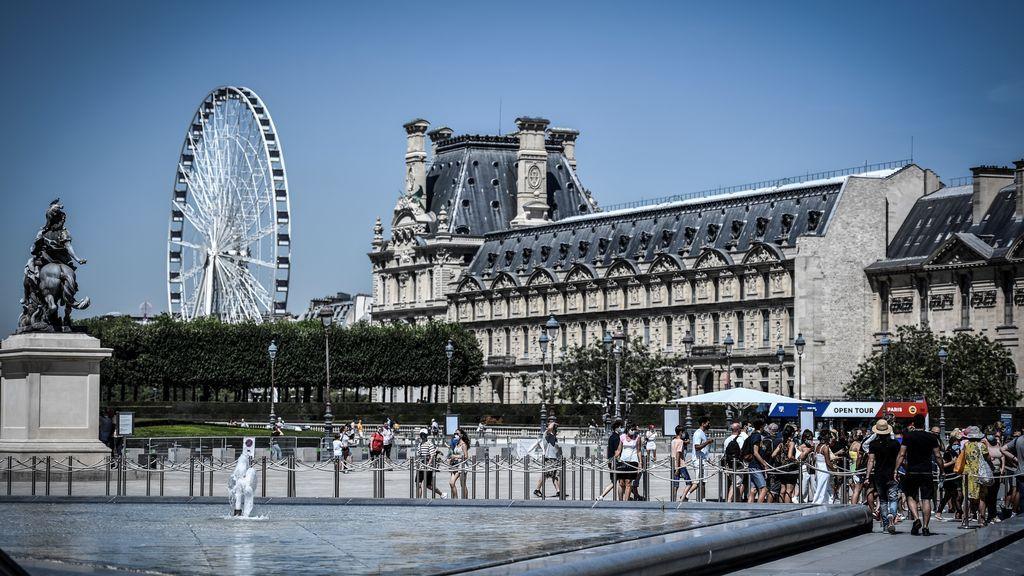 """Francia declara a París y Marsella como """"zonas rojas"""" ante el incremento de contagios de coronavirus"""