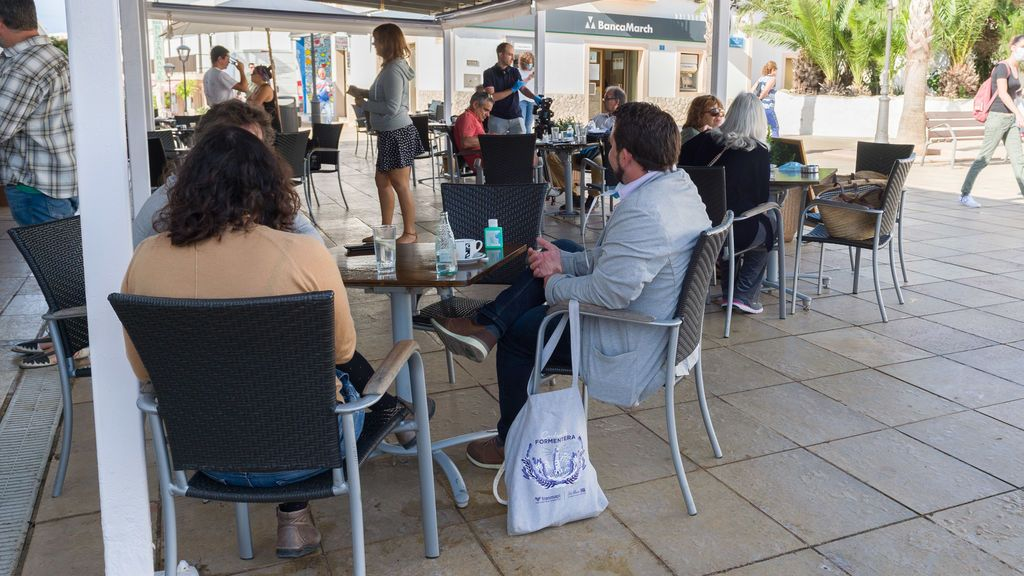 Baleares cierra un restaurante en Formentera por tener trabajando a cinco empleados que debían estar confinados