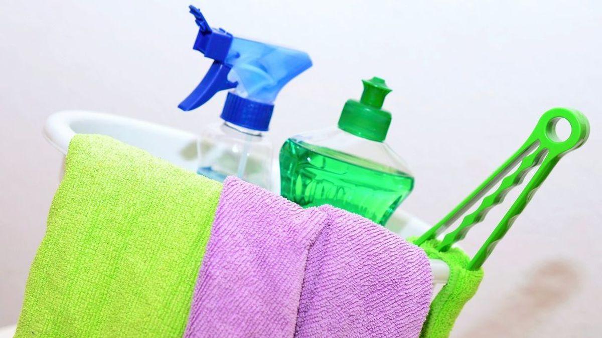 Una mujer muere tras mezclar dos productos de limpieza para desinfectar su casa por temor al coronavirus