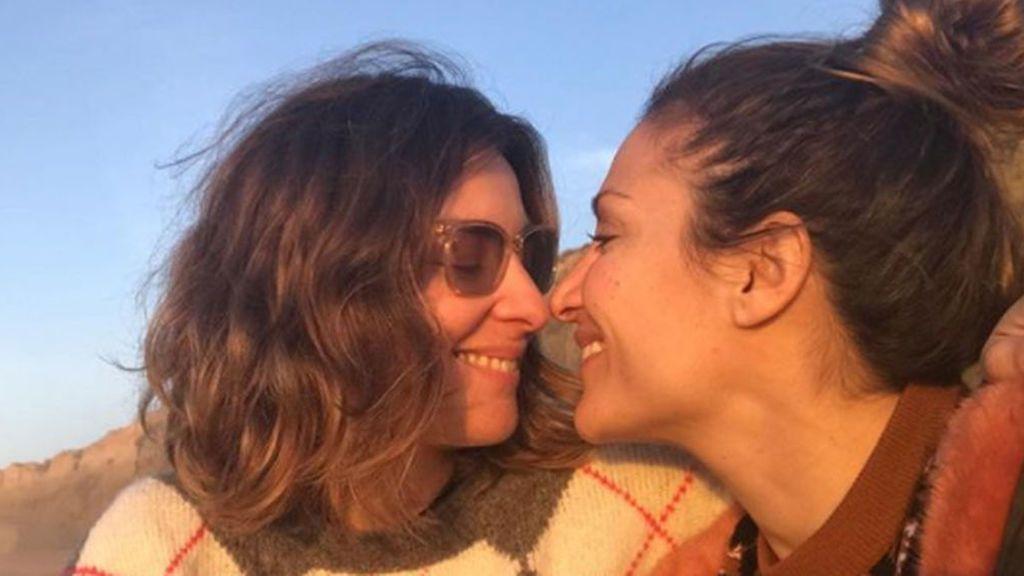 Sandra Barneda y Nagore Robles disfrutan de su amor en 'La isla de las tentaciones'