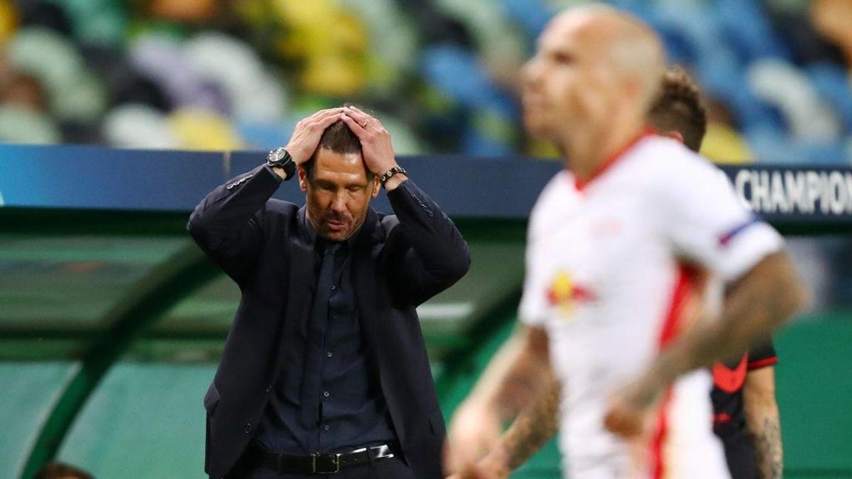 Simeone lamenta una jugada ante el Leipzig