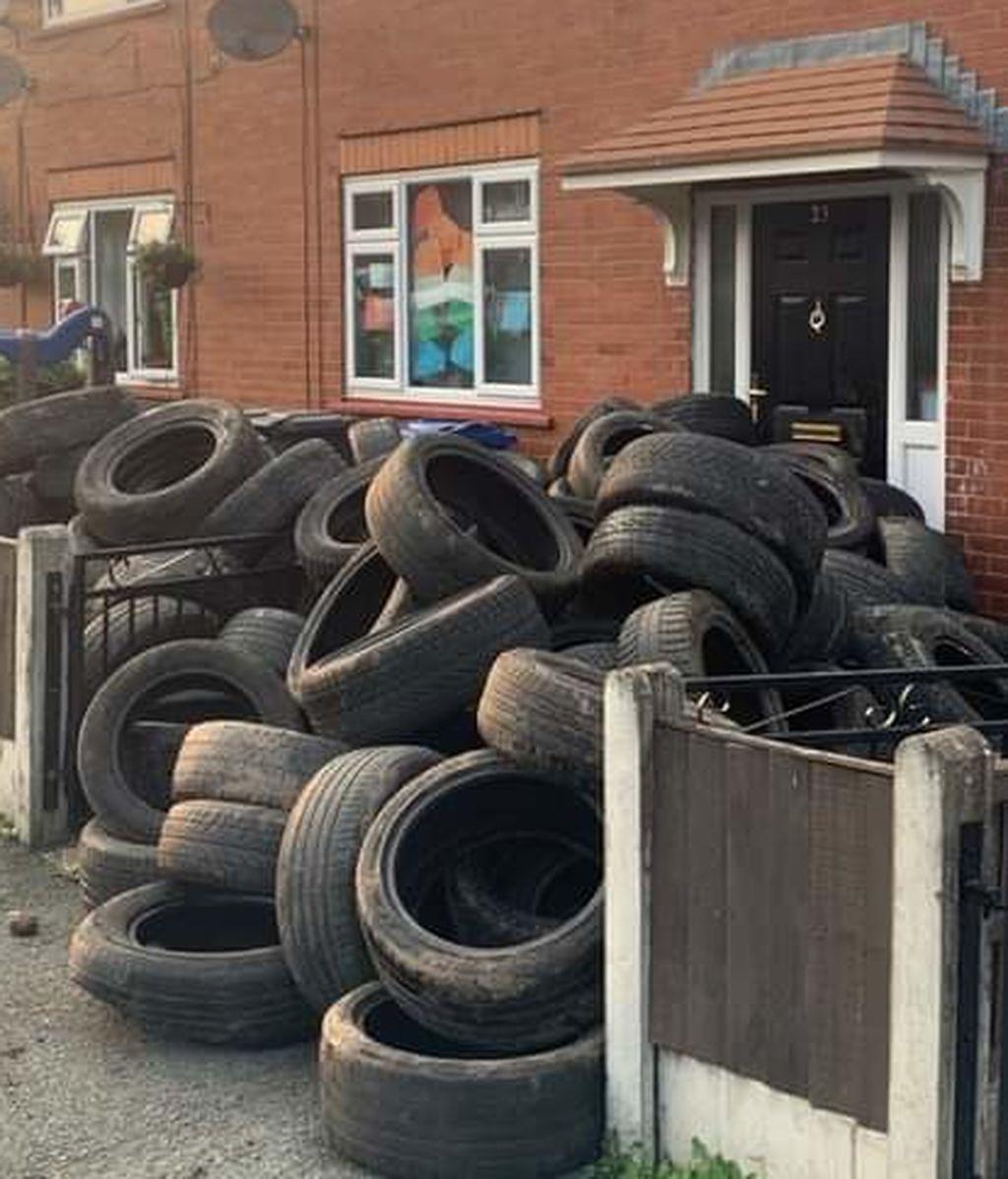 Un granjero se venga y tira 400 neumáticos en la entrada de la casa del hombre que se los había arrojado