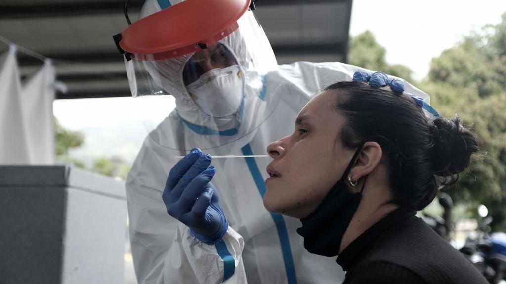 Costa Rica contabilizó este sábado 806 nuevos casos positivos de COVID-19